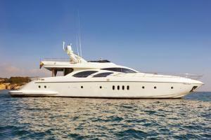 Azimut 98 Flybridge Yacht Charter